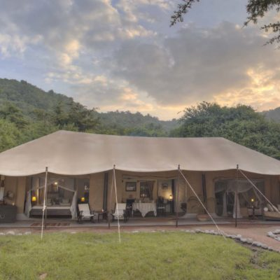 Travel back in time at Cottars 1920's Deluxe Camp