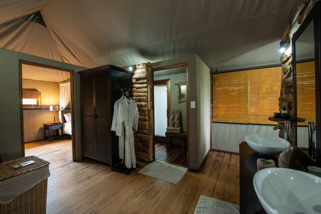 Toka Leya Camp - Bedroom