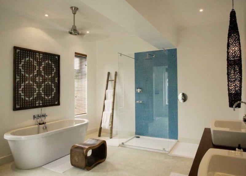 The Oyster Bay Hotel - Bathroom