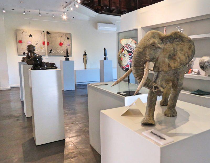 Maradiva Villas Resort & Spa - Art Gallery