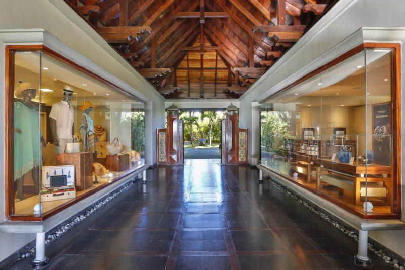 Maradiva Villas Resort & Spa - Shopping