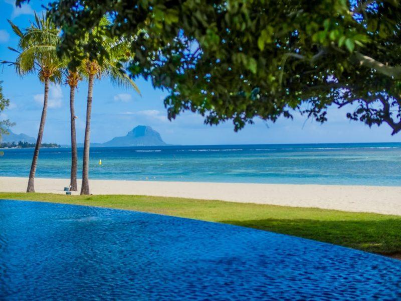Maradiva Villas Resort & Spa - Maradiva Beach